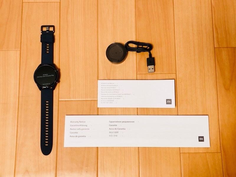 Mi Watchの本体と付属品をレビュー2